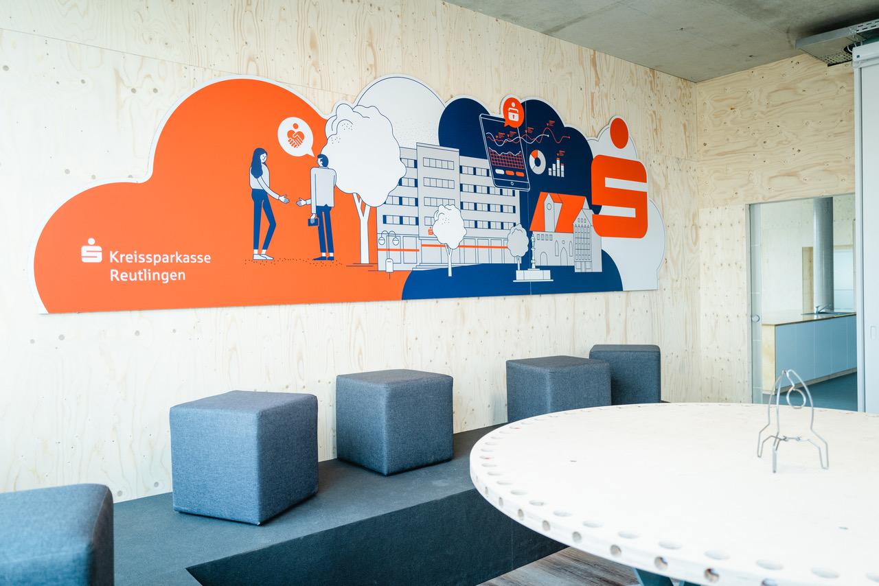 Meeting room at INNOPORT Reutlingen with wall graphic by Axel Pfaender. Sponsored by Kreissparkasse Reutlingen. Photo by Melanie Schneider